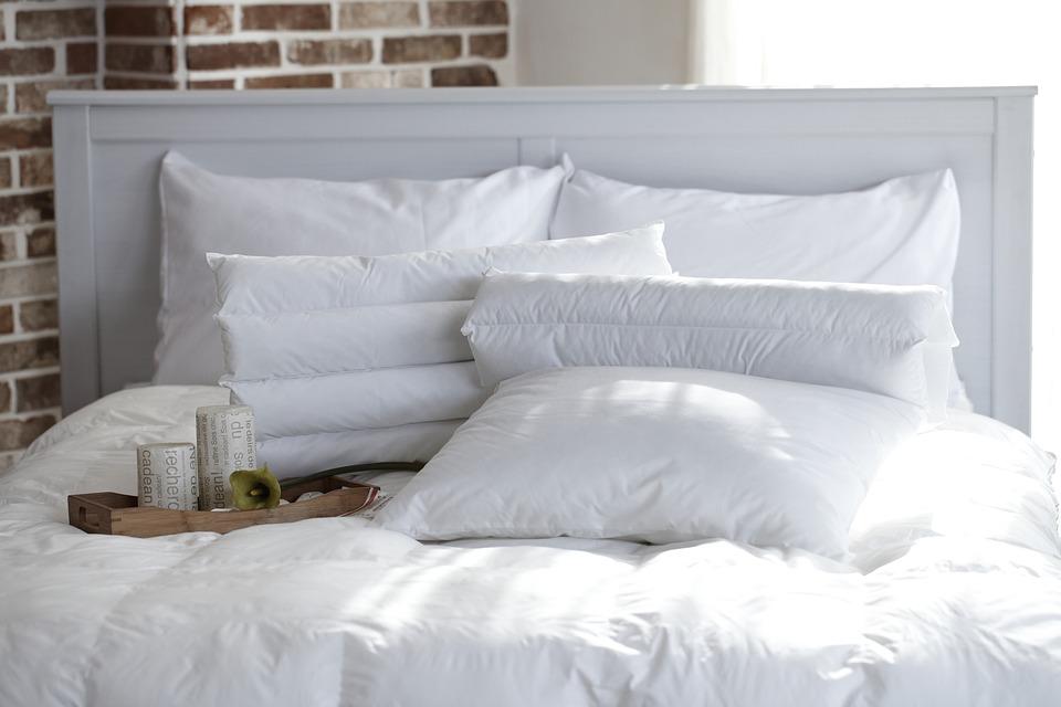 Pillow 1890940 960 720